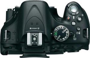 دوربین نیکون D5200