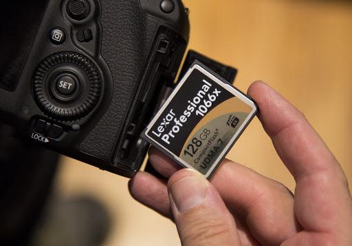 فرمت کردن کارت حافظه در کامپیوتر و دوربین